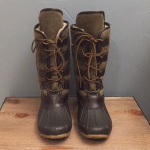 Tory Burch Argyll Olive Lace Up Duck Boot!